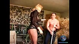 Slender blonde leslie taylor enjoys screwing tw...