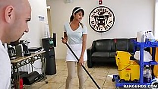 Bangbros - the fresh cleaning black dong whore swallows a load!