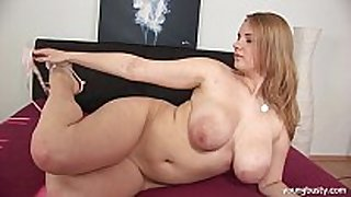 Busty young tiana fuck a big fake strapon