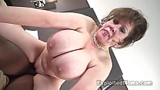Cougar does first interracial black weenie video scene