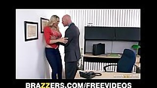 Julia ann receives a fresh job and bonks the boss on ...