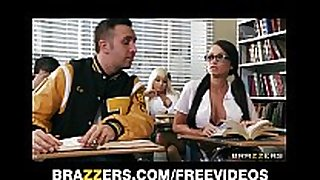 Two competing schoolgirls start a classroom thr...