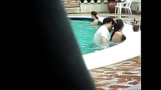 Gordinho metendo na piscina - colombian couple ...