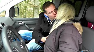 Nasty blonde mature gets properly fucked in the back of the car