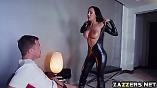 Jessy jones huge strapon engulf by amia miley